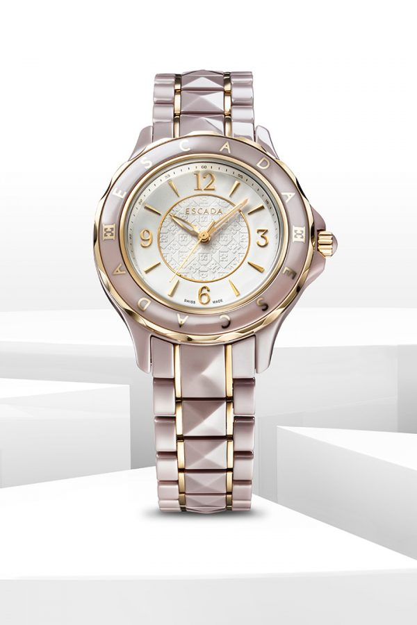 ESCADA watch - shot for advertising . Watchphotography and 3D renderings combinied to one watch photoand look book