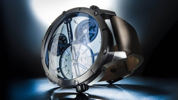 Imageshot of Police watch. Used for social media campaign. Watchphoto from a deep perspective, done by the photostudio for watches