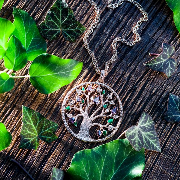 Jewelry photography for social media - Julie Julsen necklace