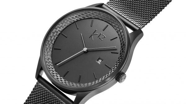 produktaufnahme einer kohlenstoff 12 armbanduhr