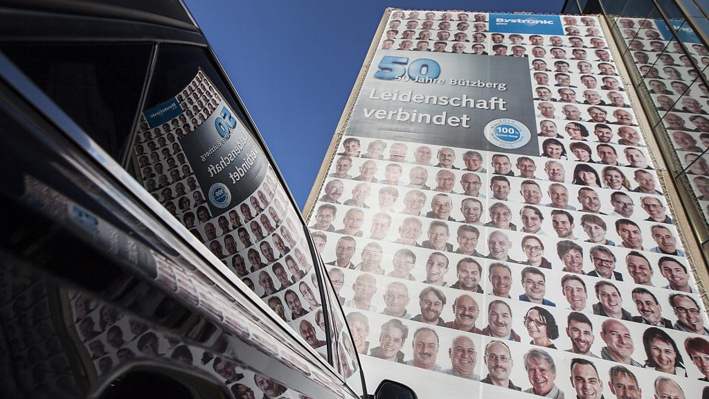 Megaposter. Staff portaits by the industrial photography division of Echt Eppelt