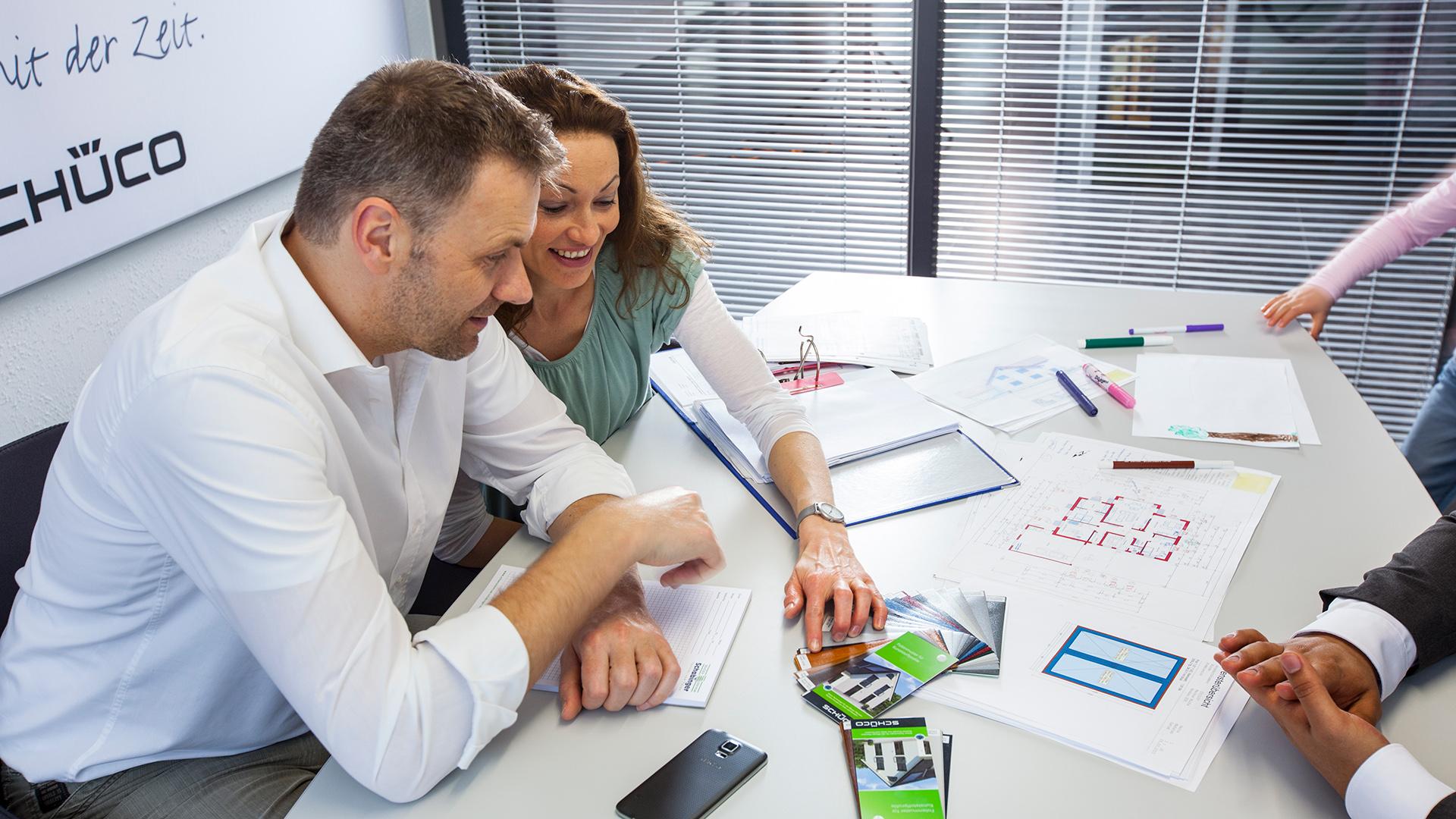 für den Online Auftritt im Handwerk: Besprechung mit Kunden