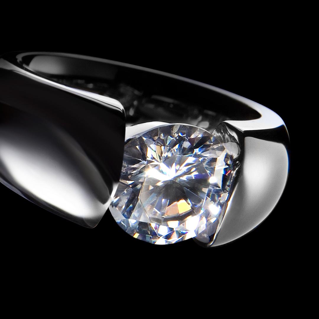 VILMAS Ring - Close-up