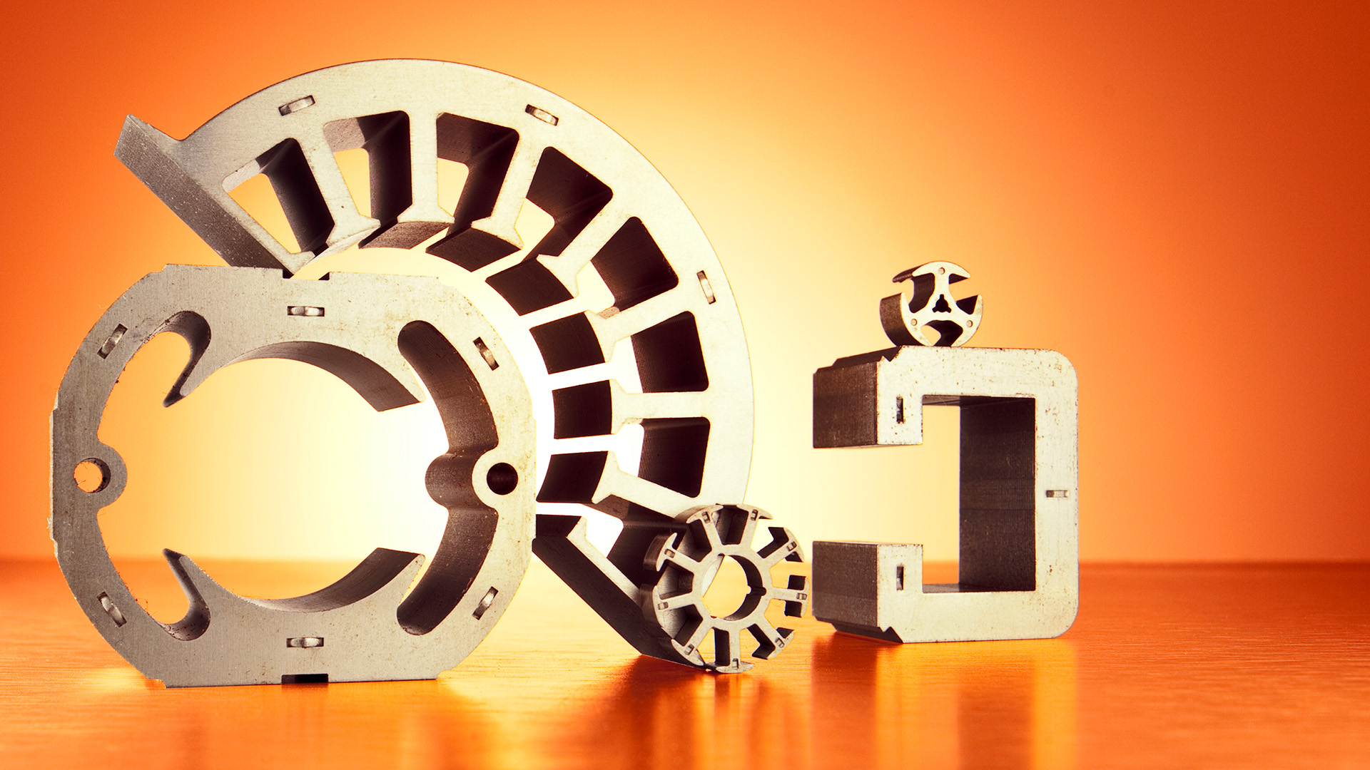 Industriefotografie im Studio -Imageshots Blechumformung